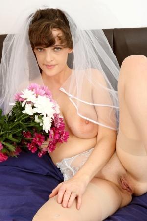 Sexy MILF Bride