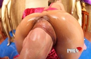 Sexy Fisting MILF