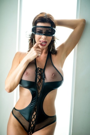 Sexy MILF Blindfold