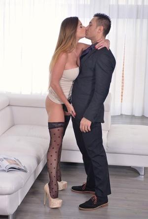Sexy MILF Kiss