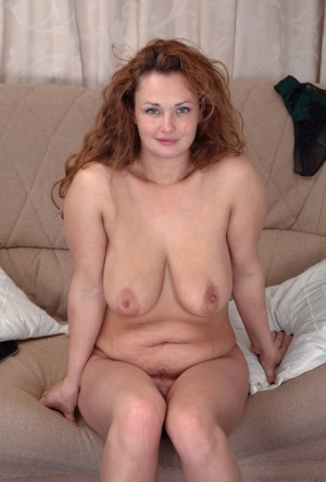 Sexy MILF Saggy Tits