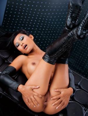 Sexy Thai MILF
