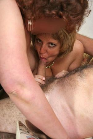Sexy MILF Threesome