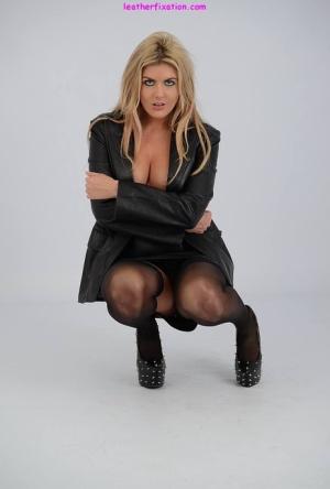 Sexy MILF On Knees