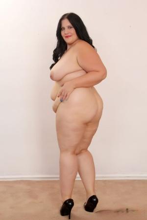 Sexy SSBBW MILF