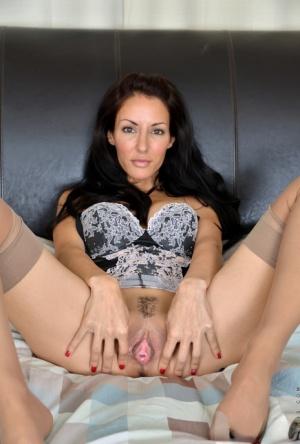 Sexy Spread MILF