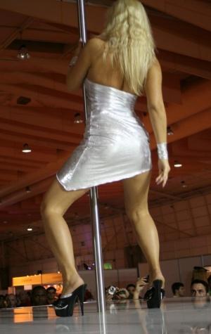 Sexy MILF Stripper